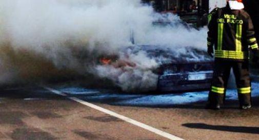 Disoccupato si toglie la vita dandosi fuoco nella sua auto