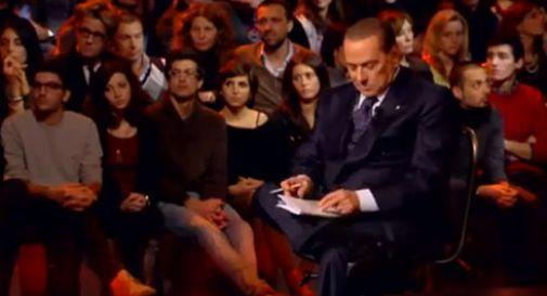 Berlusconi da Santoro sgamato sull'IMU