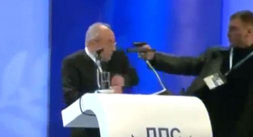 Bulgaria, choc al congresso: pistola puntata contro leader opposizione