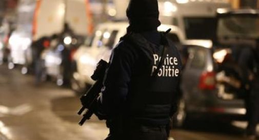 Bruxelles, nuovo blitz della polizia a Schaerbeek: ferito e arrestato un uomo