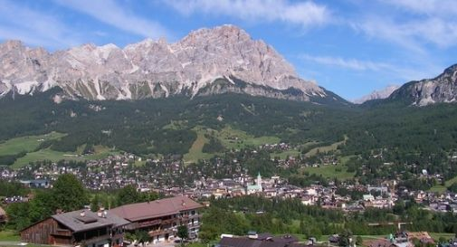 Roccia si stacca da sorapis boato sentito a cortina for Meuble cortina quinto di treviso