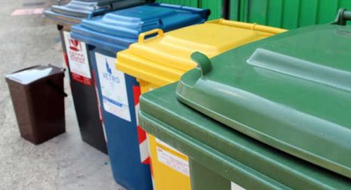 Aumentano le tasse sui rifiuti per le imprese: le associazioni di categoria contro Savno