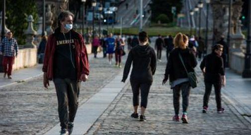 Coronavirus, in Spagna primo giorno di passeggiate e jogging