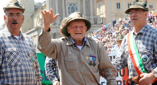 Gli alpini piangono Cristiano Dal Pozzo, 'vecio' di 102 anni