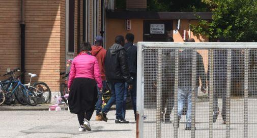 Chiudono i piccoli centri di accoglienza, a Treviso i profughi tornano nelle caserme