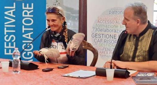 Dorina Vaccaroni dialoga con il giornalista Antonio Gregolin