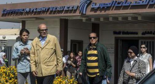 Volo Egyptair, ritrovati i rottami: anche resti umani fra i detriti