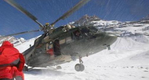 Monte Bianco, valanga travolge e uccide due alpinisti