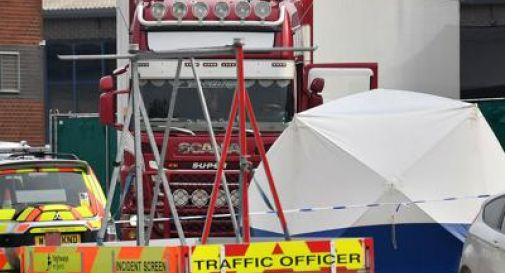 39 migranti morti in camion frigo, tutti identificati