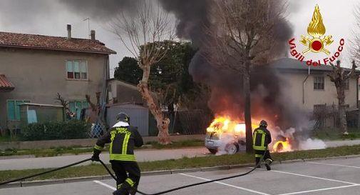 l'auto a fuoco