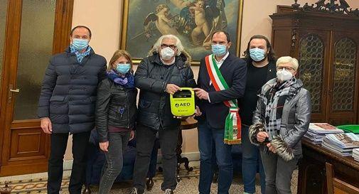 La cerimonia tenuta in Sala Consiliare a Mogliano Veneto per la donazione del defibrillatore da parte dell'associazione sportivaNow