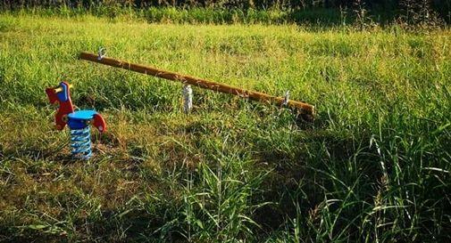 L'erba alta impedisce di raggiungere e utilizzare i giochi