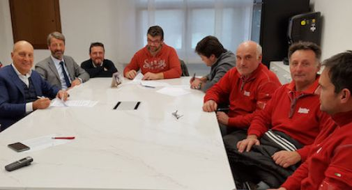 Firma accordo Breton