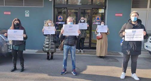 Dopo la manifestazione in Piazza dei Signori, gli imprenditori sotto le finestre di Zaia