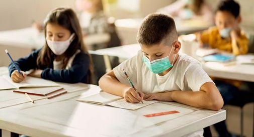 Sarà denunciato al Prefetto l'alunno che non indosserà la mascherina in classe