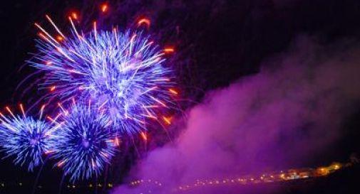 Il 2015 è già iniziato, gli abitanti delle isole Samoa i primi a salutare il nuovo anno