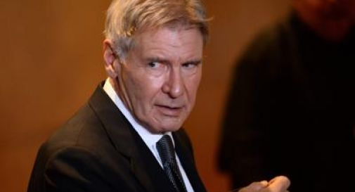 Harrison Ford precipita con un aereo d'epoca, ferito