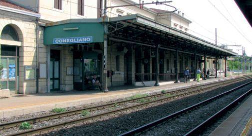 Controllo della polizia alla stazione dei treni di Conegliano, donna trovata con eroina