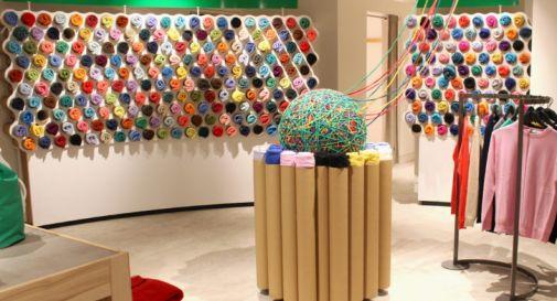 Benetton colora Londra con una capsule di felpe e maglieria