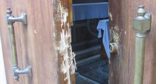 Scassinata la porta della chiesa di San Gottardo, ignoti penetrano all'interno