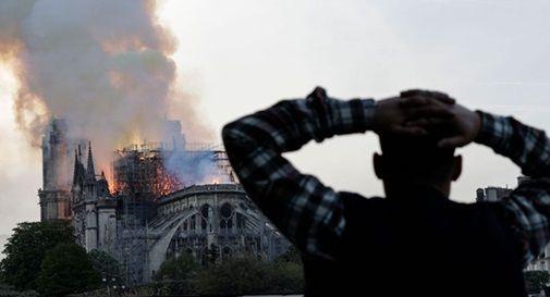 """""""Eravamo tutti allibiti. Tante persone piangevano"""": la testimonianza di un trevigiano a Parigi durante l'incendio"""