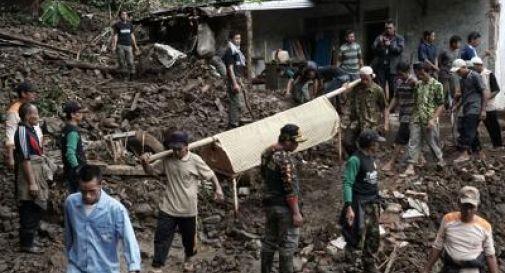Alluvioni e frane in Indonesia, 47 morti a Giava Centrale