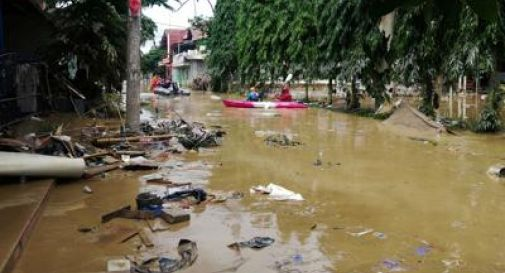 Alluvione a Giakarta: almeno 21 morti