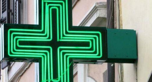 Seconda rapina in cinque giorni nella stessa farmacia di Conegliano: entra con la pistola e si fa consegnare 1300 euro