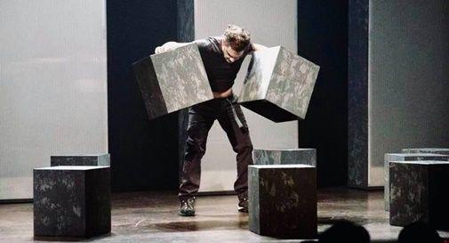 """Lo spettacolo """"Nemici come prima"""" di Gianni Clementi ha aperto la kermesse teatrale"""