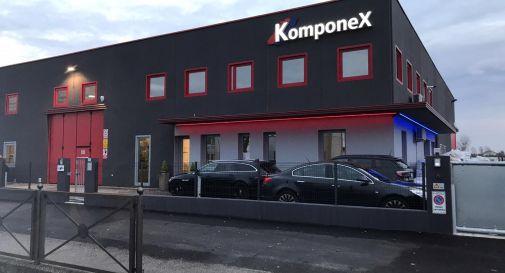 KomponeX