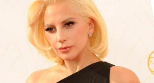 Lady Gaga sta male, tour europeo rinviato al 2018