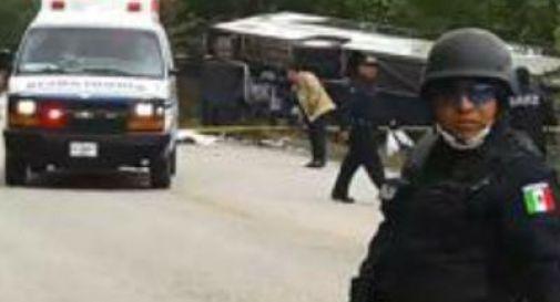Messico, si schianta pullman di turisti: 12 morti. Farnesina: