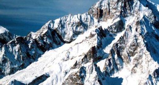 Donna precipita e muore sul Monte Bianco