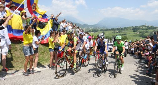 il passaggio del Giro d'Italia 2017 sul Muro di Ca' del Poggio
