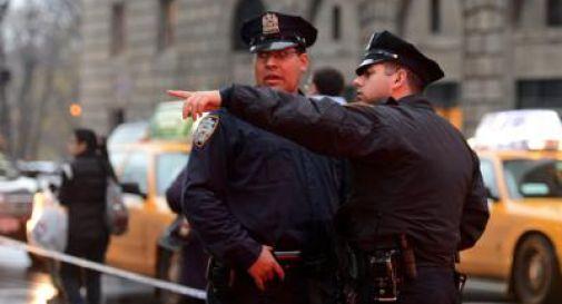 Uccide due poliziotti per vendicare Michael Brown. Poi si spara