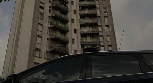 Degrado e sovraffollamento al grattacielo di via Pisa, arrivano telecamere e controlli