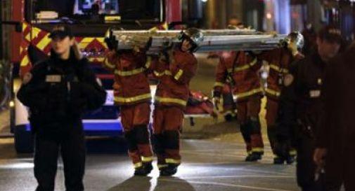 Parigi, palazzo in fiamme: 10 morti tra cui un bimbo