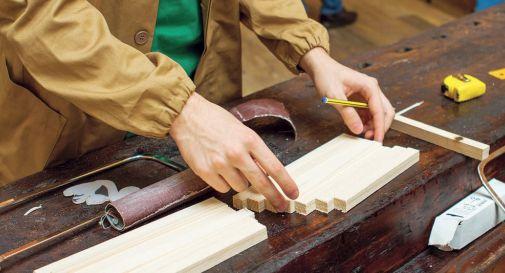 lavoratori legno arredo