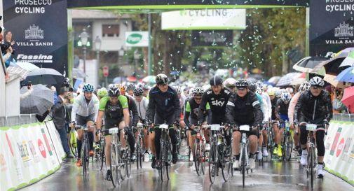 Prosecco cycling, emozioni sotto la pioggia