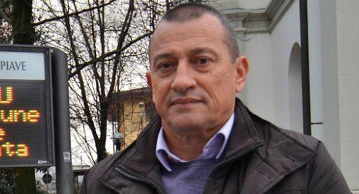 Il sindaco Szumski regala la bandiera della Serenissima ai concittadini: