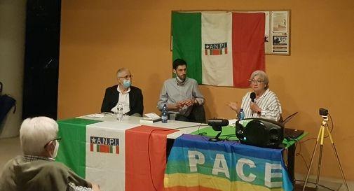 Da sinistra: lo storico Mauro Pitteri, il giornalista Elia Cavarzan, l'ex-ministro Rosy Bindi