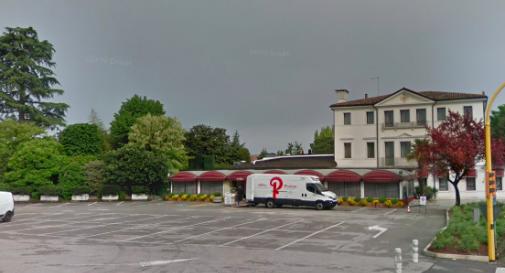 Il bimbo ha fretta e nasce in auto nel parcheggio della pizzeria in Strada Ovest