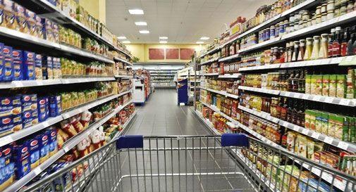 Ragazza trovata morta dentro il supermercato