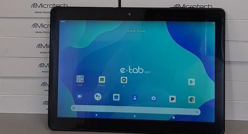 Donati 25 tablet alle famiglie bisognose per la Didattica a distanza