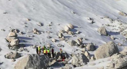 Scivola lungo il canale durante un itinerario alpinistico, trovata morta un'escursionista