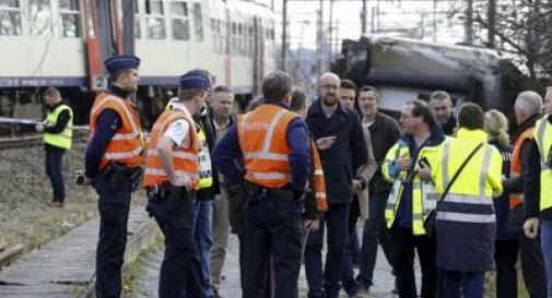 Belgio, deraglia un treno: un morto e 27 feriti