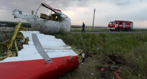 Aereo abbattuto da missile al confine russo-ucraino: 298 morti (VIDEO)