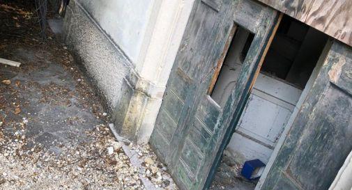 Vittorio Veneto, villa Papadopoli devastata dai vandali: