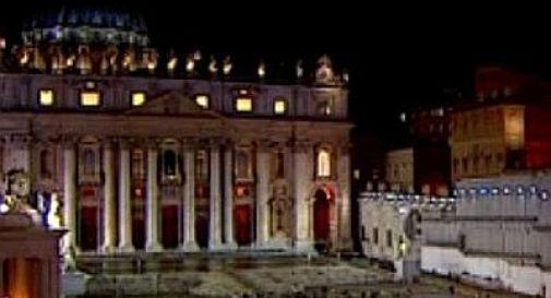 Conclave, la prima fumata è nera