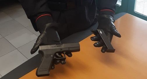 la pistola giocattolo